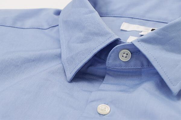 一般的なシャツの検証画像-襟元