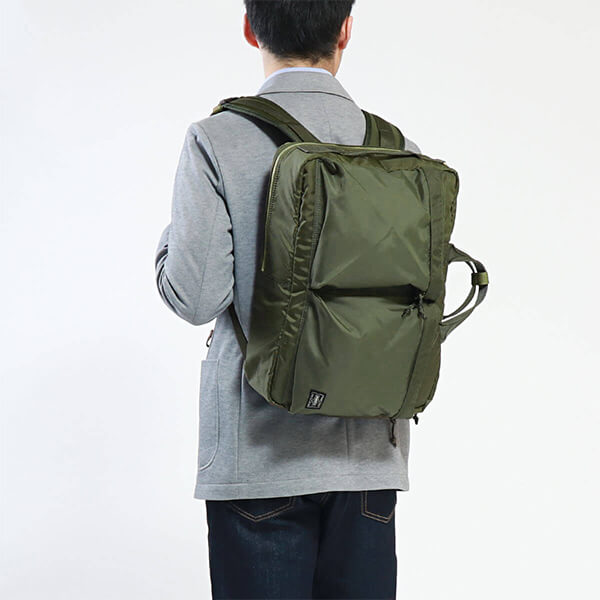 PORTER FORCE 3WAY BRIEFCASEのコーディネート画像